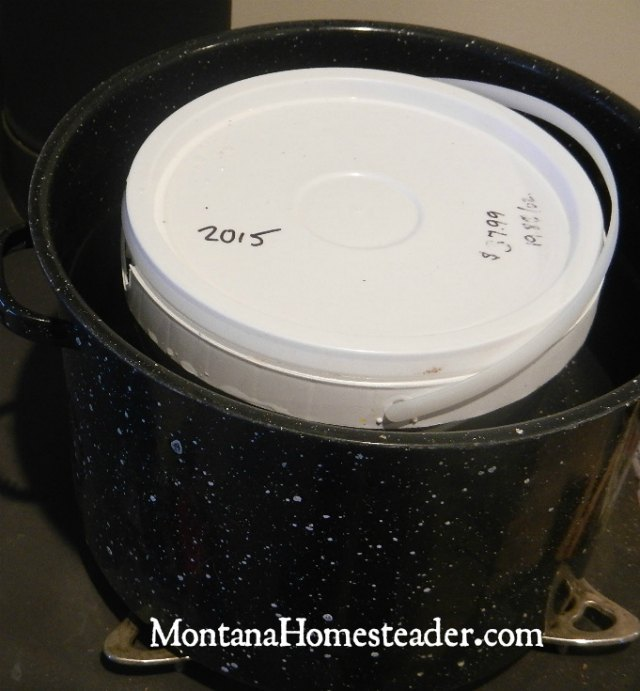 How to decrystallize honey in large buckets | Montana Homesteader