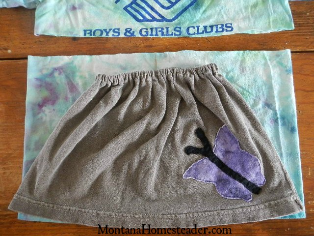 How to make a tshirt skirt for girls | Montana Homesteader
