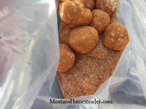 How to make monkey bread in the dutch oven | Montana Homesteader